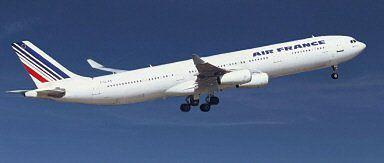 Airbus A340 - taki samolot stanął w ogniu w Toronto.
