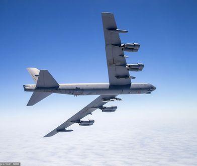 """Polskie myśliwce eskortowały bombowiec B-52 nazywany """"latającą fortecą"""""""