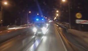 #dziejesiewmoto: kierowca karetki powoduje kolizję