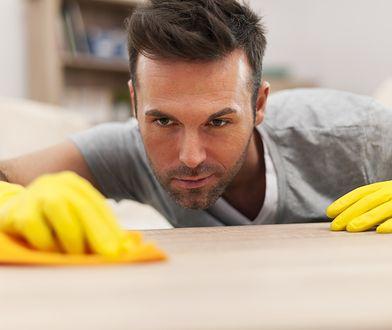 W tych krajach faceci najczęściej biorą na siebie obowiązki domowe. Jak wypadają Polacy?