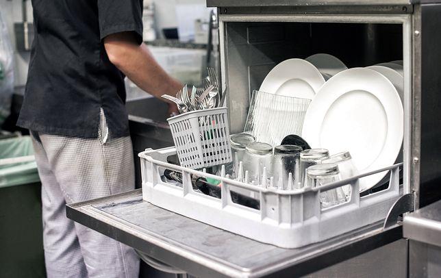 Jak wyczyścić zmywarkę domowym sposobem? Prosta i skuteczna metoda