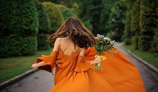 Sukienki na wesele do 160 złotych. Idealne na tańce w gorący wieczór
