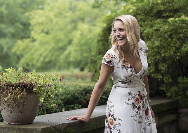 Kobiece sukienki na wiosenną randkę lub imprezę. Zobacz najmodniejsze modele w niskich cenach