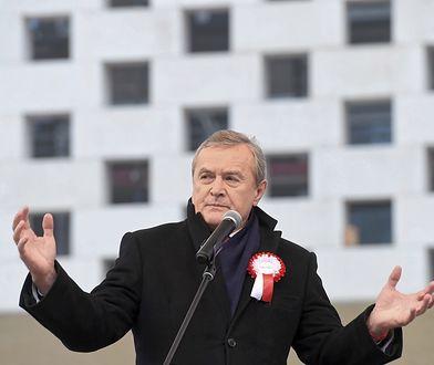 """Emocje sięgnęły zenitu. Piotr Gliński oskarża zagraniczne media o """"obłęd"""" i """"haniebne kłamstwo"""""""