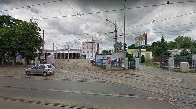 Wrocław. Niewybuch na terenie zajezdni. Służby w akcji