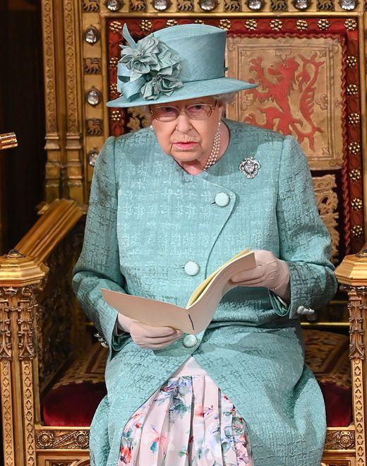 Królowa Elżbieta wspiera Brytyjczyków w trudnym czasie