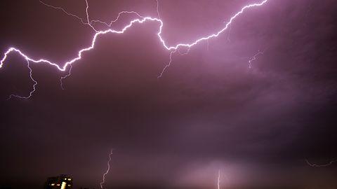 Gdzie jest burza? Radar burzowy i mapa wyładowań w aplikacji mobilnej
