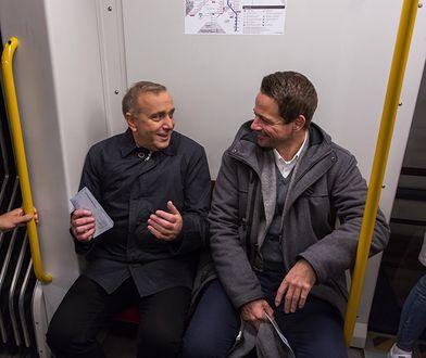 """Trzaskowski i Schetyna w metrze ostrzegają warszawiaków. """"Trzeba ratować Warszawę przed kandydatem PiS-u"""""""