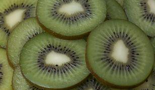 Kiwi – owoc, który warto jeść zimą