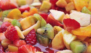 Owoce z puszki – co warto o nich wiedzieć?