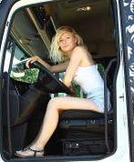 Polka za kierownicą ciężarówki. Jak wygląda życie trucking girl?
