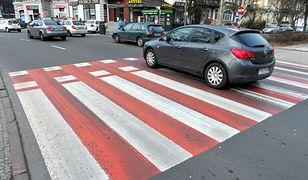 Kolorowe przejścia nie pomagają - statystyki zabitych pieszych dalej przerażają
