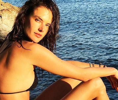 Alessandra Ambrosio chwali się płaskim brzuchem. Aż trudno uwierzyć, że ma za sobą dwa porody