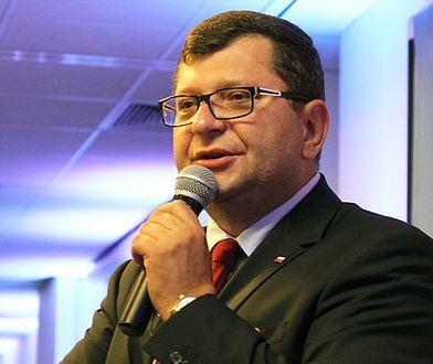 Zbigniew Stonoga to polski biznesmen, działacz polityczny oraz społeczy