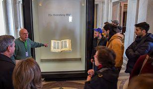 Biblia Gutenberga. Pierwsza wydrukowana książka na świecie