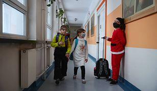 """Powrót do szkół to marzenie ściętej głowy. Nie pozostawiła wątpliwości. """"Wylęgarnie koronawirusa"""""""