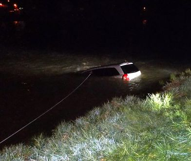 Sanok. Auto z 5 osobami wjechało do rzeki. Nowe fakty