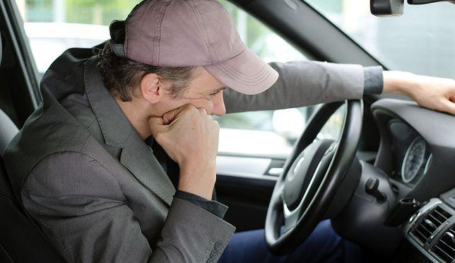 Drzemka za kierownicą najpewniej zakończy się tragedią