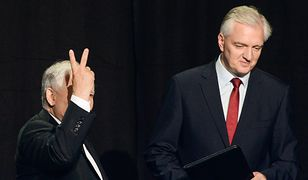 Jarosław Kaczyński i Jarosław Gowin po podpisaniu porozumienia koalicyjnego