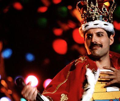 Freddie Mercury w jednym ze strojów scenicznych