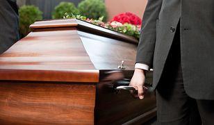 Kiedy ksiądz może odmówić pogrzebu?