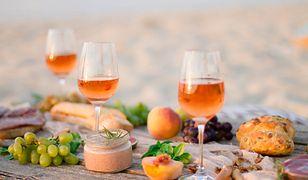 Bukiety pomarańczowych win często pachną tropikiem, suszonymi owocami i konfiturą z pomarańczy