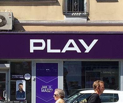 Pan Łukasz nie chce odpuścić sieci Play. Konsultant sprzedał mu coś, czego nie było w ofercie
