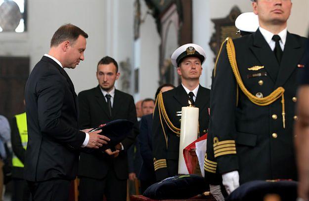"""Andrzej Duda i Beata Szydło przemawiali na pogrzebie """"Inki"""" i """"Zagończyka"""". """"Przywracamy godność państwu polskiemu"""""""