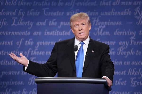 Mimo skandalu Trump nie zamierza się wycofać