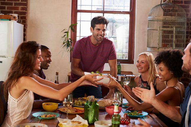 Przyjęcie rodzinne jest świetną okazją, by sprawdzić jak radzimy sobie z rolą gospodarza.
