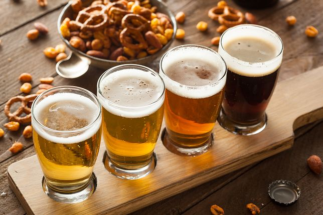 Samo piwo nie tuczy, za to w połączeniu z niezdrowymi przekąskami...