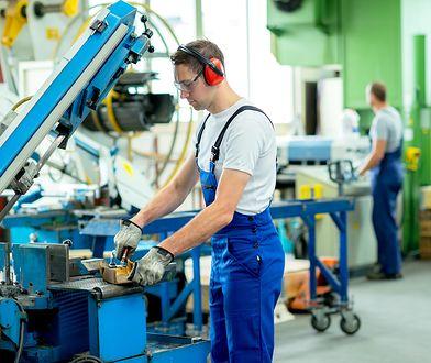 35-dniowy płatny urlop dla wszystkich pracowników - to jeden z postulatów OPZZ.