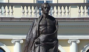 Pomnik Juliusza Słowackiego do liftingu
