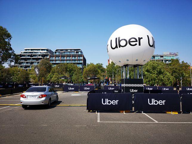 Uber - zarezerwuj transport bez aplikacji. Firma testuje nowe rozwiązanie
