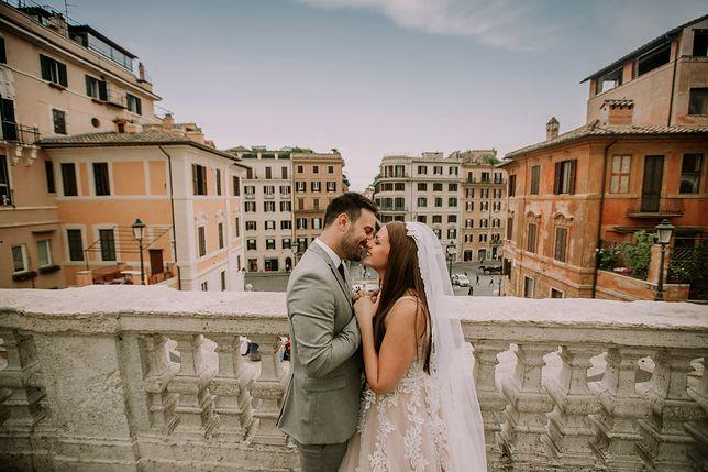 Ślub za granicą to popularny trend wśród młodych