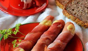 Parówki zapiekane z serem i szynką
