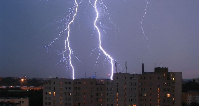 Grad i burze w całej Polsce. To nie koniec