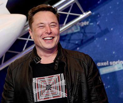"""Elon Musk pisze o """"Cyberpunku 2077"""", akcje CD Projektu idą w górę"""