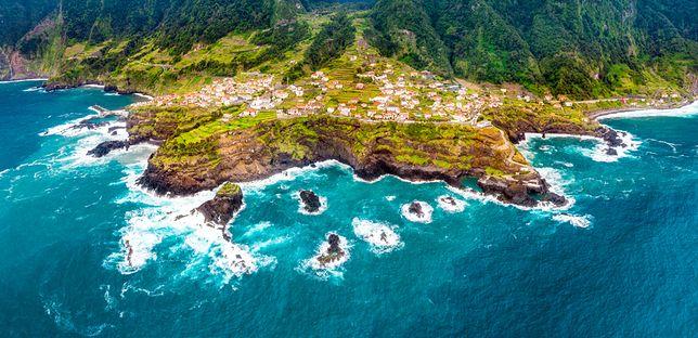 Maderę oblewają wody Oceanu Atlantyckiego