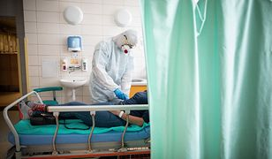 Koronawirus. Lekarz w szpitalu