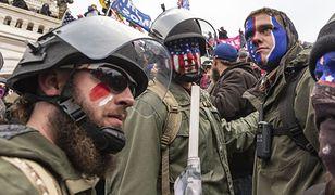 Zwolennicy Trumpa na chwilę przed wtargnięciem do Kapitolu. 6 stycznia 2021 roku / fot. Lev Radin