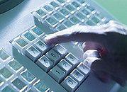 Jak bezpiecznie dokonywać płatności przy pomocy pośredników?