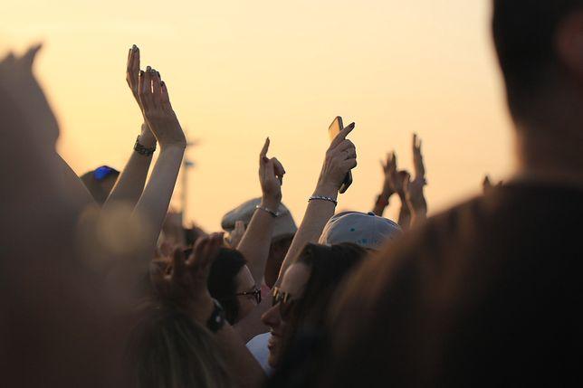 Koronawirus w Polsce. Gdynia: Ponad dwieście osób objętych kwarantanną. To efekt imprez osiemnastkowych / foto ilustracyjne