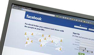 Facebook blokuje konta koronasceptykom