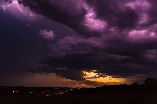 Pogoda. Żar lejący się z nieba! Nawet 34 st. C. Wtorek i środa przyniosą burzowy armagedon nad Polską
