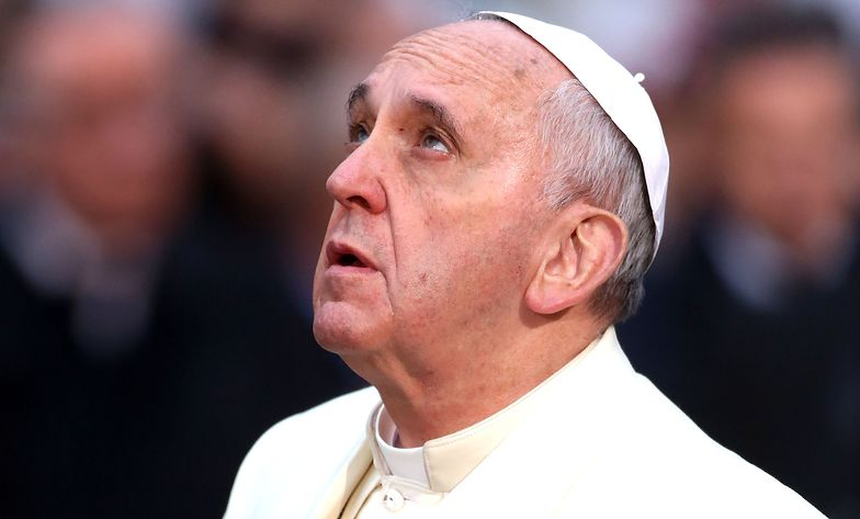 Papież apeluje o modlitwę. Lawa wlała się do dwumilionowego miasta