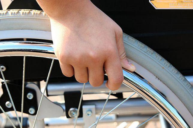 Oszukiwała niepełnosprawnych pacjentów. Wyłudziła 70 tys. złotych