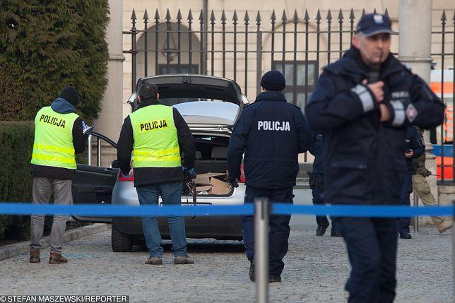 Wjechał w bramę Pałacu Prezydenckiego. Jest śledztwo
