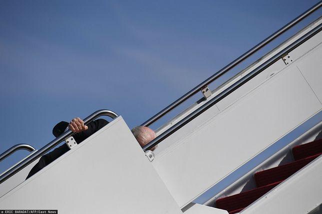 Pytanie o zdrowie Joe Bidena. Prezydent USA upadł na schodach