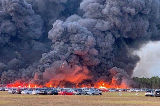Ogromny pożar na terenie lotniska na Florydzie. Spłonęło 3,5 tys. samochodów
